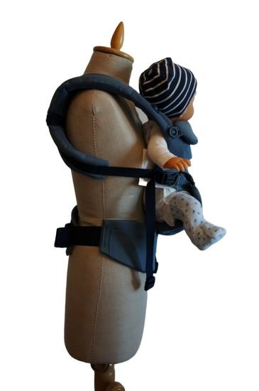 Ergobaby Omni 360 im Test - Baby Blick nach vorne